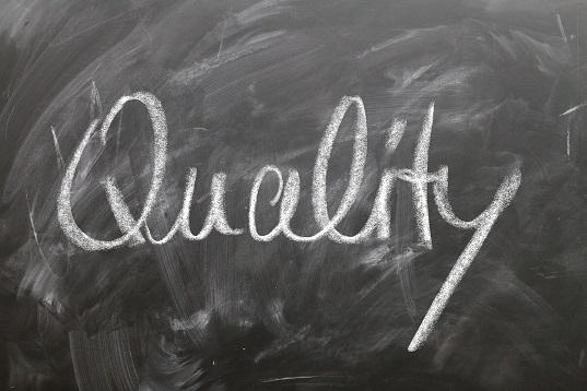 Comment les entreprises peuvent-elles mettre en oeuvre une gestion de la qualité totale ?